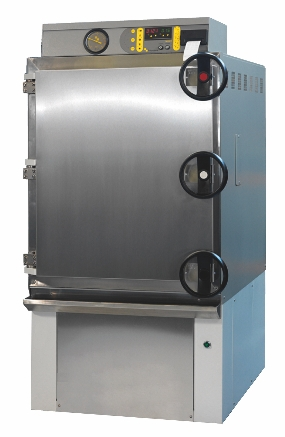 Front loading autoclave by Priorclave